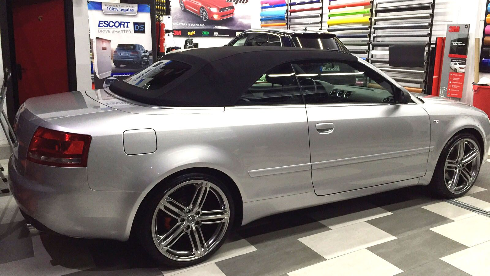 audi a4 cabrio lupo car wrapping. Black Bedroom Furniture Sets. Home Design Ideas