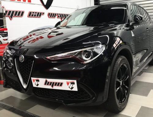 Alfa Romeo interiores en rojo mate 3M Wrap Film