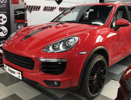 Porsche Cayenne Franja y Cromados de Ventanas en Negro