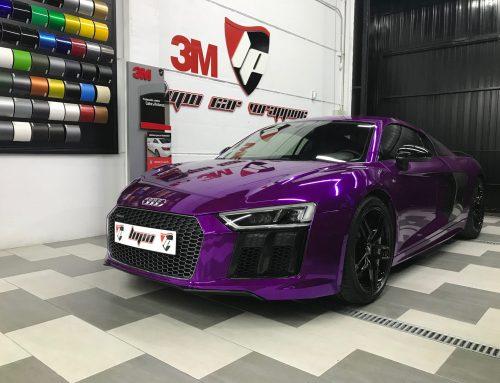 Audi R8 en Vinilo Cromado Púrpura