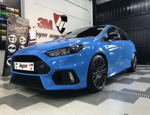 Ford Focus RS azul Avery Wrap Film