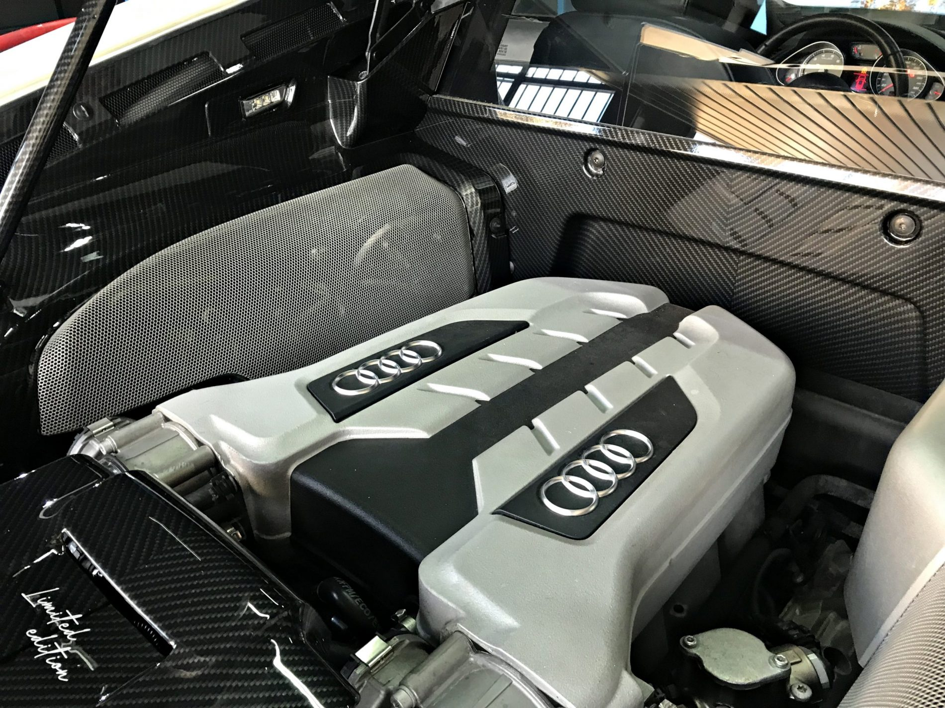 AUDI R8 TAPAS MOTOR HIDROIMPRESION
